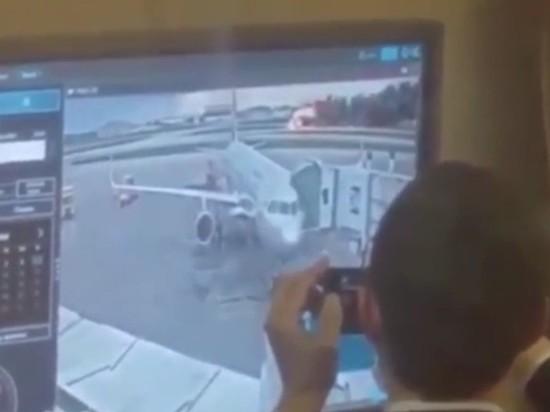 В Шереметьево ищут тех, кто смеялся над горящим SSJ-100