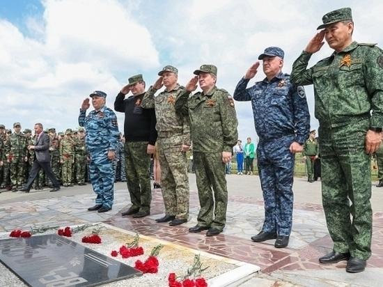 Бочаров наградил участников поисковых отрядов Волгограда и Ростова