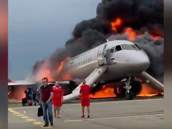 Пассажир «Суперджета»: «Я снял, как горел наш самолёт»