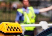 В Твери таксист устроил ДТП с пострадавшим