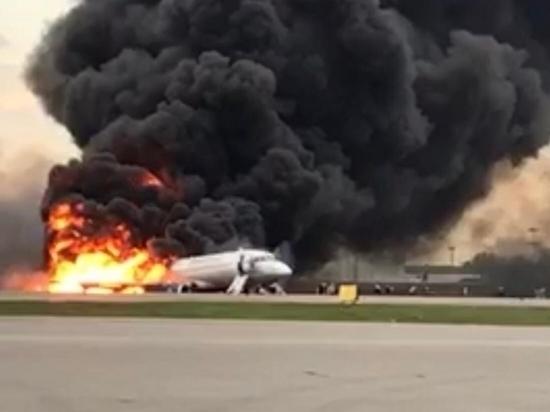 Источник: пассажиры с багажом не тормозили эвакуацию из SSJ-100