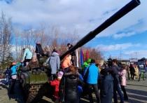 Танк Т-64 появился в центре Лабытнанги
