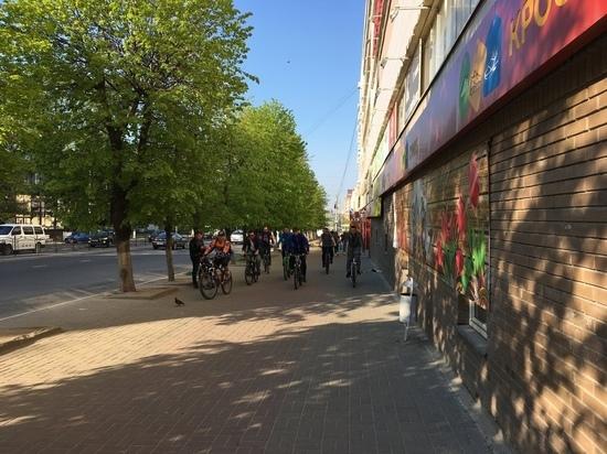 Горголова Калуги проинспектировал город на велосипеде