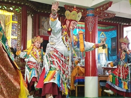 Ближайший ученик Далай ламы проведет в Бурятии полное посвящение Калачакры