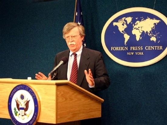 Болтон сообщил о планах США разорвать связь Кубы и Венесуэлы
