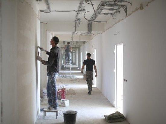 В Волжском ремонтируют главную больницу