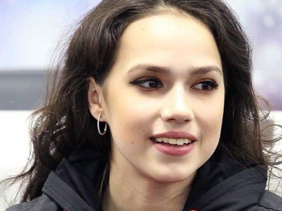 Алина Загитова опубликовала фото в бикини