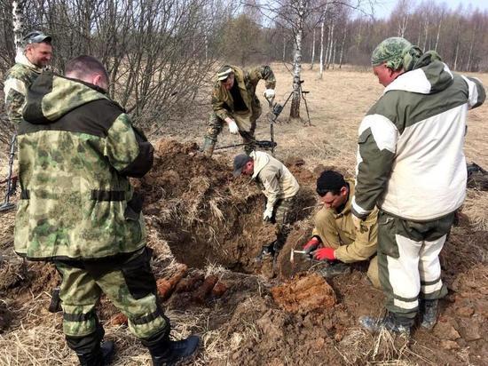 Останки 38 бойцов подняли из земли под Калугой