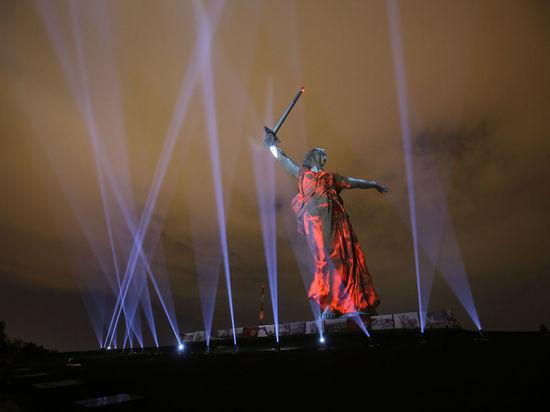 Волгоград переименовали в Сталинград в День Победы