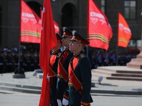 Парад Победы прошел в Волгограде