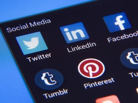 В Казахстане заблокировали Facebook, Instagram и YouTube