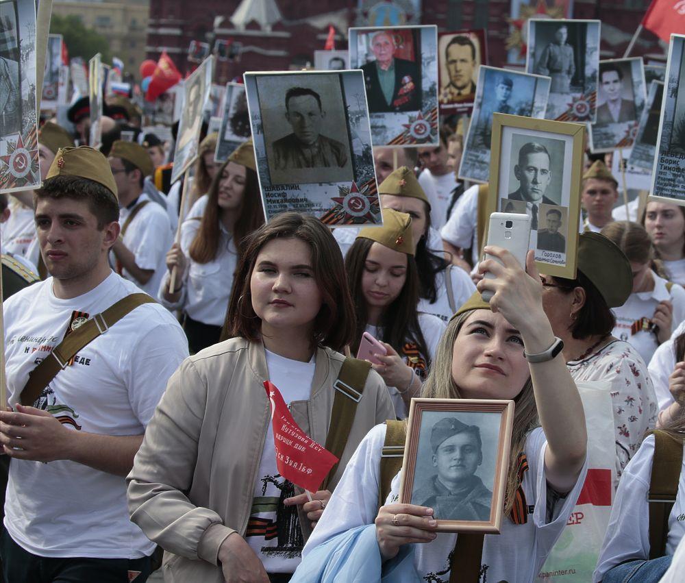 Минобороны предложило увековечить «Бессмертный полк» в Галерее Памяти
