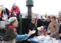 Жителей Салехарда угостили солдатской кашей