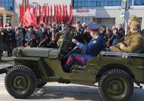 В День Победы по улицам Салехарда прошла раритетная техника