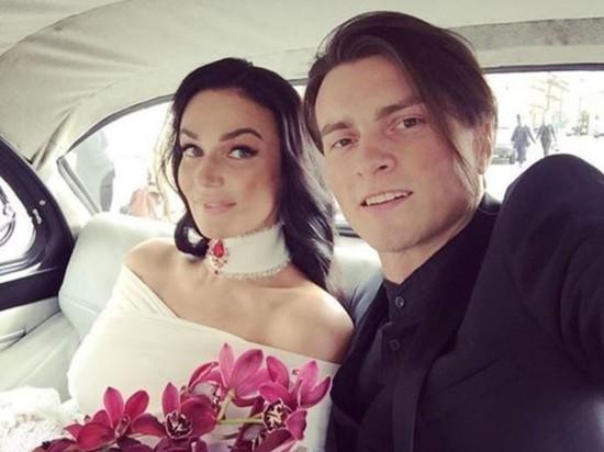Алена Водонаева объявила о разводе с мужем