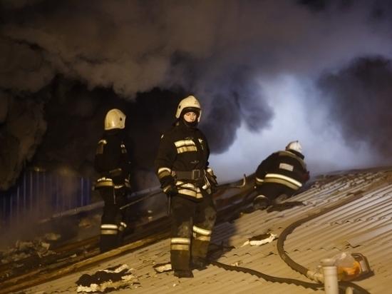 В Среднеахтубинском районе ночью сгорел дачный дом