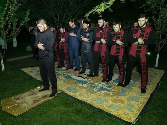 Кадыров получил от Нурмагомедова обещанные кроссовки