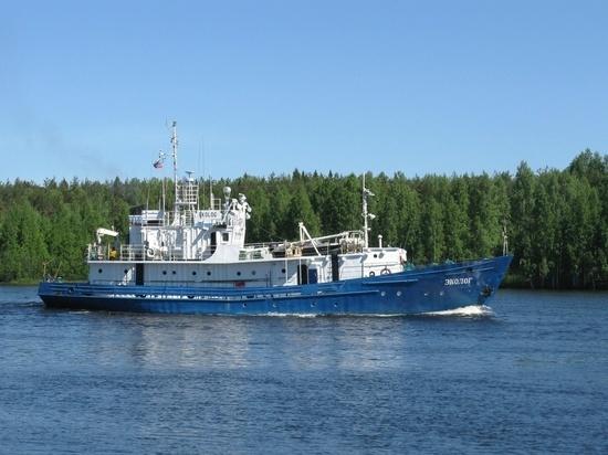 Спиртное или раритеты: что вез затонувший в Карелии корабль