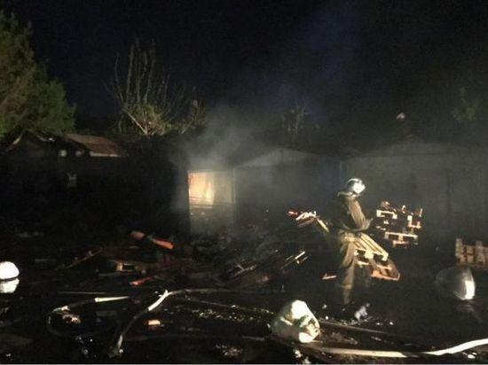 В Уфе из-за взрыва газового баллона сгорели четыре гаража