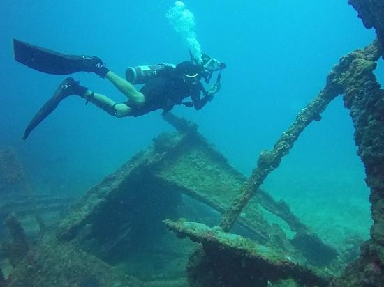 Найденные на дне моря предполагаемые картины Айвазовского могут восстановить