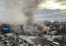 Частный дом загорелся в Салехарде