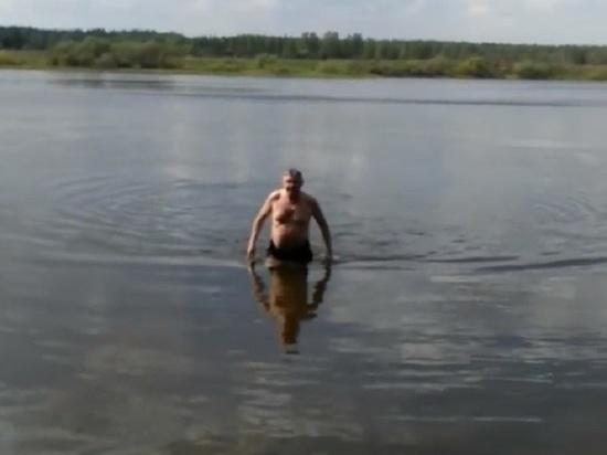 Депутат муниципалитета Ярославля открыл купальный сезон