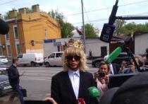 Сергей Зверев в короне предстал перед судом
