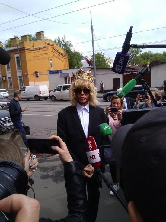 Sergei Zverev in the crown appeared in court