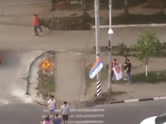 Трое неизвестных украли флаги России и Японии в центре Ульяновска