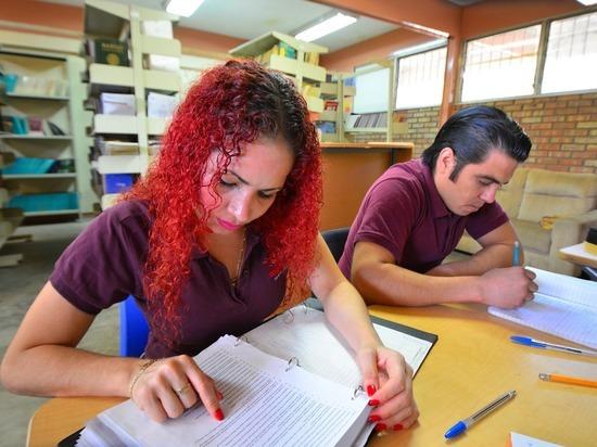 Германия: ученикам и стажерам повысят зарплаты