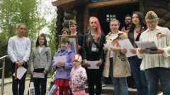 В баварском Дахау дети в взрослые почтили память жертв национал-социализма