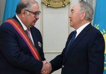 Нурсултан Назарбаев вручил Алишеру Усманову орден Дружбы