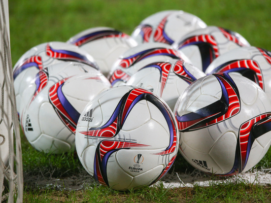 Обзор главных футбольных событий выходных