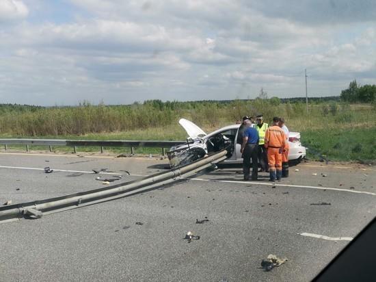 Водитель иномарки погиб от отбойника, пронзившего машину