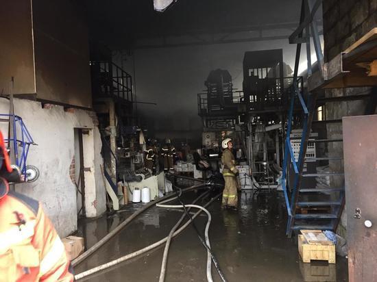 Цех полиэтиленовых пакетов сгорел в Екатеринбурге