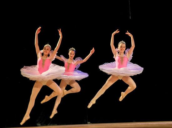 Танцоры из разных городов страны выступили на «Ступенях» в Саранске