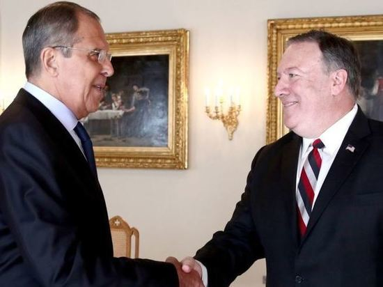 Лавров передал Помпео документ с фактами вмешательства США в дела РФ