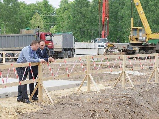 Алексей Дюмин посетил стройплощадку перинатального центра в Туле