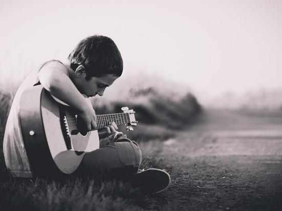 Какая жизнь, такие песни: «Это великая сила, оперативник УФСИНа»