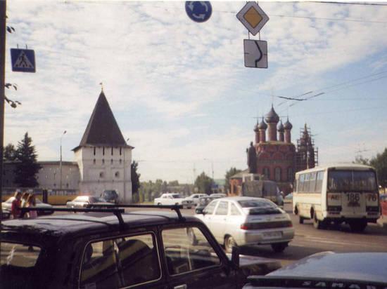 В Ярославле водитель автомобиля потерял сознание во время движения