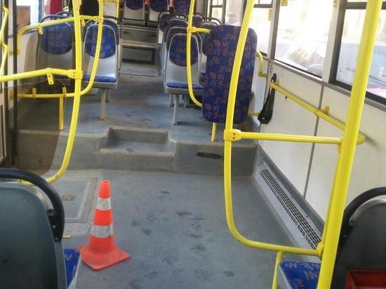 Водитель маршрутного такси в Твери уронил при торможении ребёнка
