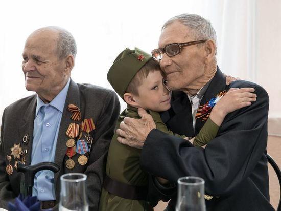 День Победы в Листвянском отметили участники ВОВ, их внуки и правнуки