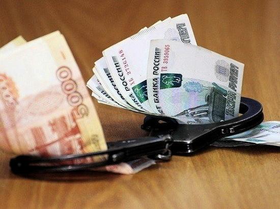 Жителя Воронежской области будут судить за взятку полицейскому