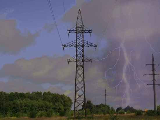 Тульские энергетики рассказали, как обезопасить себя во время грозы