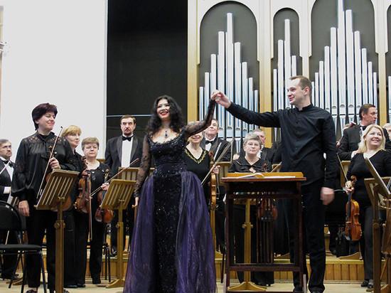 Оркестры «Премьеры» выступят с солисткой Музыкального театра и московским пианистом