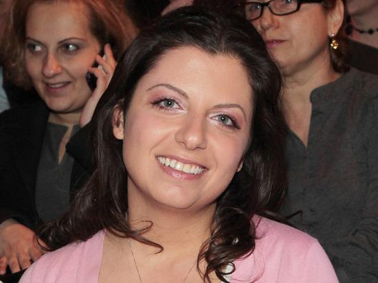 Маргарита Симоньян показала округлившийся живот