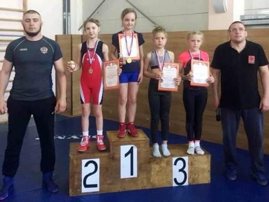 Пять медалей привезли из Москвы юные ивановские борцы