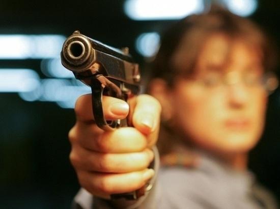 Калининградец угрожал бывшей супруге пальнуть в неё из пистолета
