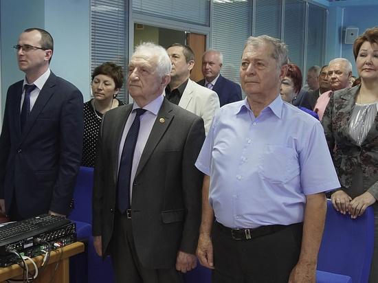 Депутаты краевого ЗСК наградили экс-председателя краевой Контрольно-счетной палаты