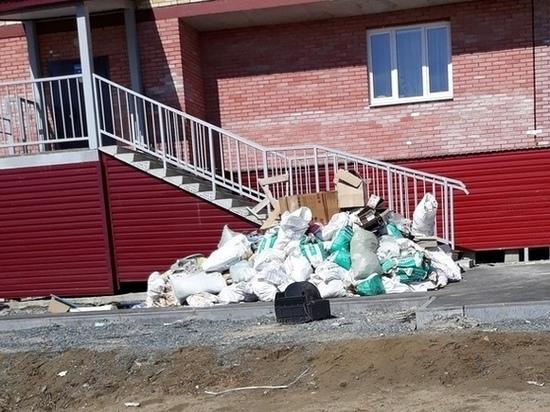 Жители Лабытнанги жалуются на свалку строительного мусора